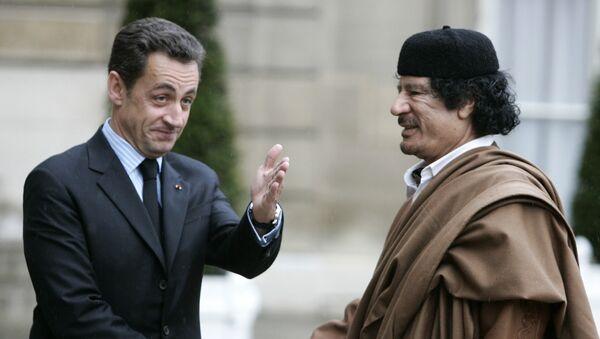 NicolasSarkozy - Muammer Kaddafi - Sputnik Türkiye
