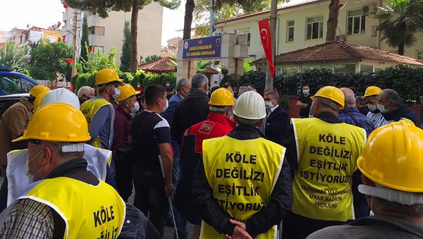 Ankara'ya başlattıkları yürüyüş sırasında gözaltına alınan işçilerin sendikası Bağımsız Maden İş örgütlenme uzmanı Kamil Kartal, Ermenek madenlerindeki koşullar 18. yüzyıldan kalma. Germinal romanındaki gibi koşullarda çalışıyor madenciler. Sonuçları ne olursa olsun, sorunlar çözülene kadar Soma'ya geri dönmeyeceğiz dedi. - Sputnik Türkiye