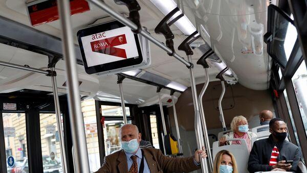 Roma - koronavirüs - Kovid-19 - mask- İtalya - Sputnik Türkiye