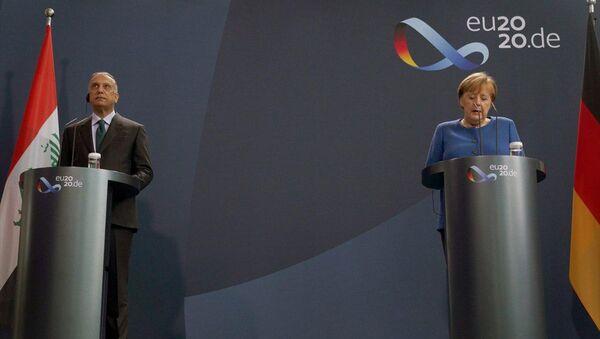 Merkel, başkent Berlin'de, Irak Başbakanı Mustafa el-Kazımi ile yapacağı görüşme öncesinde ortak basın toplantısı düzenlendi. - Sputnik Türkiye