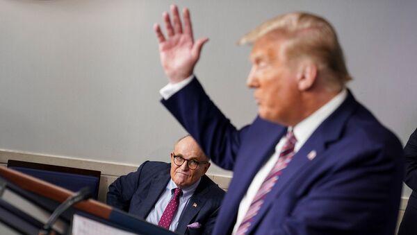 Rudy Giuliani, Donald Trump - Sputnik Türkiye