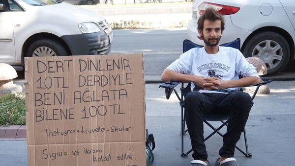 Dert dinleme başı 10 TL alan genç, derdiyle kendisini ağlatana 100 TL veriyor - Sputnik Türkiye