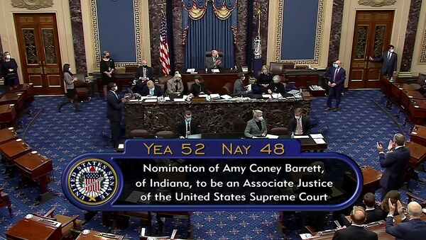 ABD Senatosu, Trump'ın Yüksek Mahkeme adayı Barrett'ı onayladı - Sputnik Türkiye