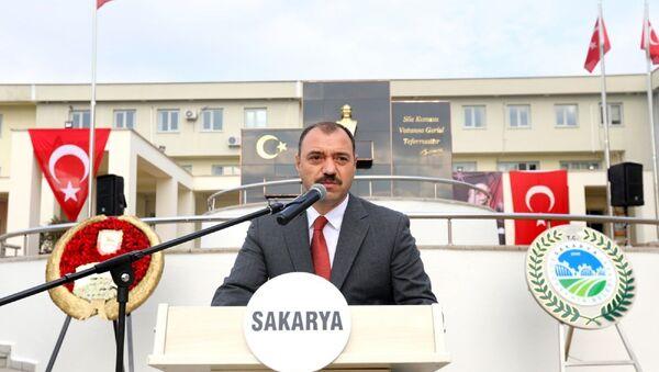 Sakarya Valisi Çetin Oktay Kaldırım - Sputnik Türkiye