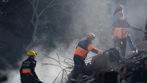 İzmir - deprem - Sputnik Türkiye