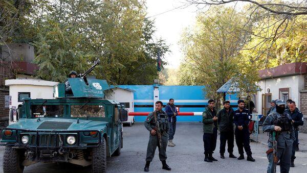 Afganistan - Kabil Üniversitesi - Afgan polis - Sputnik Türkiye