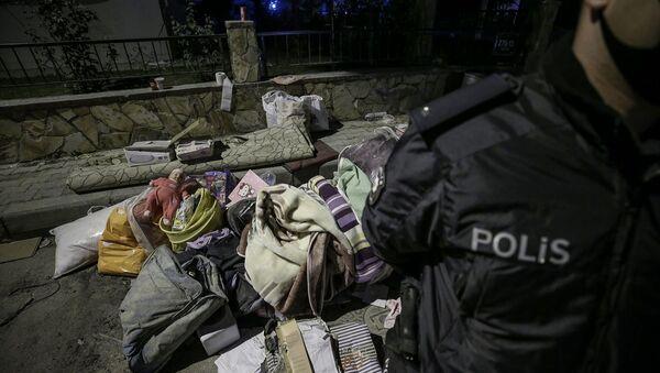 Enkazdan çıkan eşyalar - Sputnik Türkiye