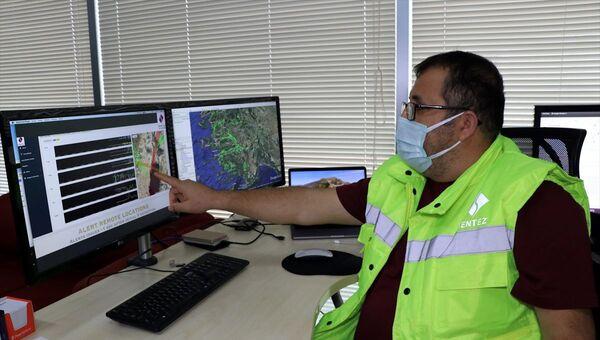 İzmir'de deprem için 'erken uyarı' sistemi kurulacak - Sputnik Türkiye