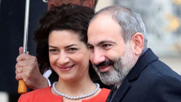Ermenistan Başbakanı Nikol Paşinyan ve eşi Anna Hakopyan - Sputnik Türkiye