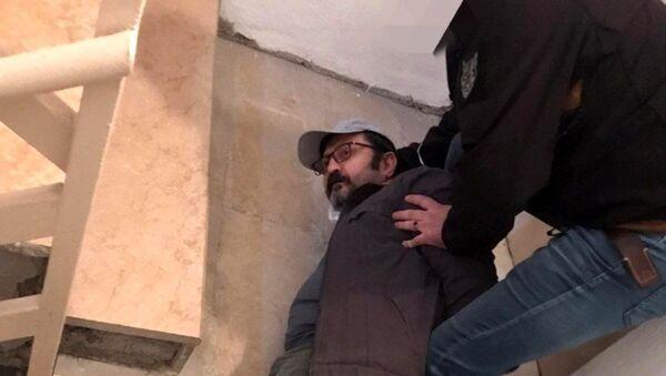 Bank Asya'nın kurucu ortağı sahte kimlikle yakalandı - Sputnik Türkiye