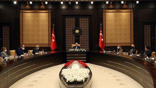 Cumhurbaşkanı Recep Tayyip Erdoğan, Uluslararası Yatırımcılar Derneği (YASED) Yönetim Kurulu üyelerini kabul etti. - Sputnik Türkiye