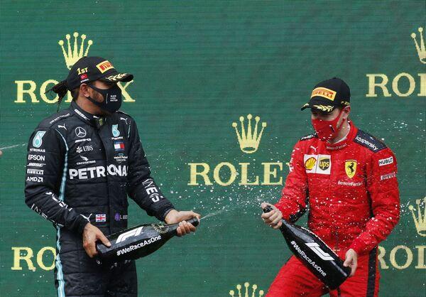 Mercedes-Hamilton iş birliği F1 rekorlarını altüst etti - Sputnik Türkiye