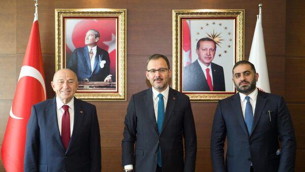 Gençlik ve Spor Bakanı Dr. Mehmet Kasapoğlu, TFF Başkanı Nihat Özdemir ve beIN Media Group CEO'su Yousef Al-Obaidly  - Sputnik Türkiye