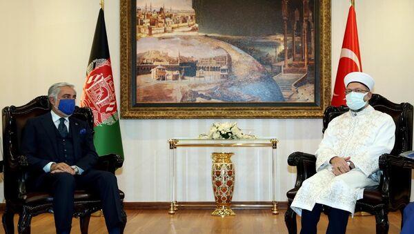 Diyanet İşleri Başkanı Ali Erbaş, Afganistan Milli Uzlaşı Yüksek Konseyi Başkanı Abdullah Abdullahile görüştü - Sputnik Türkiye
