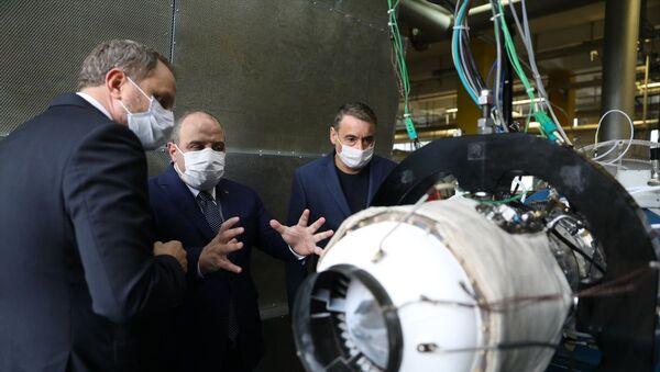 Sanayi ve Teknoloji Bakanı Mustafa Varank, Milli Turbojet Motoru'nu test etti - Sputnik Türkiye