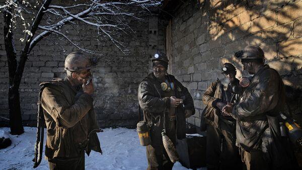 Снимок из серии Coal Survivors бельгийского фотографа Alain Schroeder, победивший в категории ND editorial photographer of the year среди профессионалов конкурса ND Awards 2020 - Sputnik Türkiye