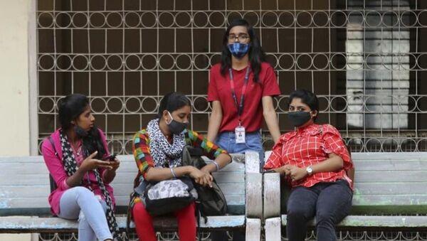 Hindistan'da kadınların din değiştirmesini hedefleyen evlilikler yasaklandı - Sputnik Türkiye