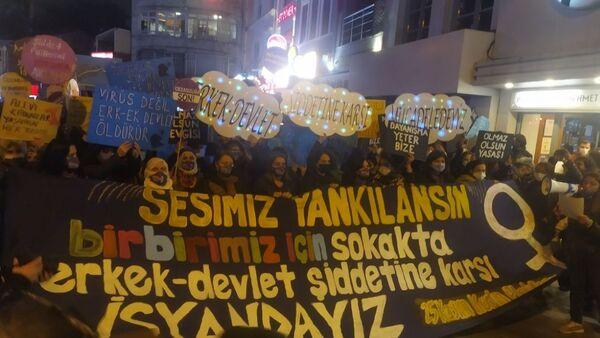 25 Kasım Kadına Yönelik Şiddete Karşı Uluslararası Mücadele ve Dayanışma Günü - İstanbul - Sputnik Türkiye