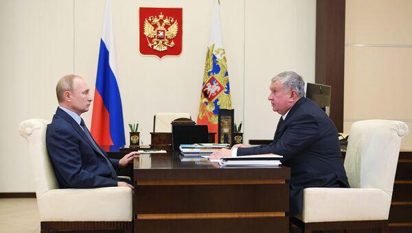 Vladimir Putin ve Rosneft Başkanı İgor Seçin - Sputnik Türkiye