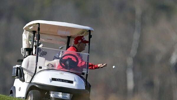 Donald Trump - golf - Sputnik Türkiye