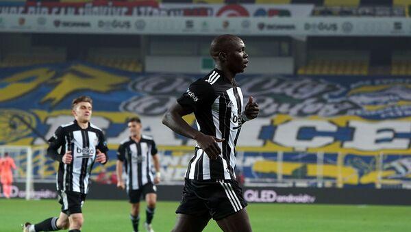 Fenerbahçe karşısında alınan 4-3'lük galibiyette attığı 2 golle 3 puanın mimarlarından olan Vincent Aboubakar - Sputnik Türkiye