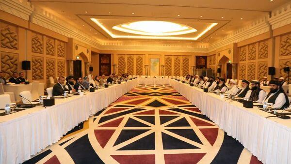 Afganistan hükümeti ve Taliban temsilcilerinin, Katar'da yürüttükleri Afganlar arası barış müzakereleri - Sputnik Türkiye