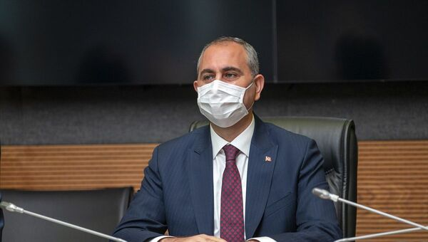 Abdulhamit Gü - Sputnik Türkiye