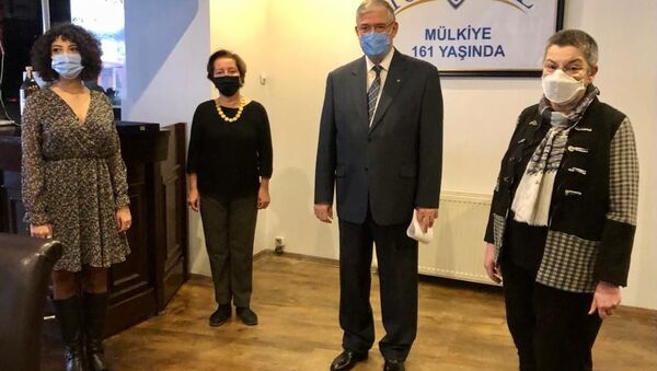 Her yıl Ankara Üniversitesi Siyasal Bilgiler Fakültesi'nin (Mülkiye) kuruluş günü olan 4 Aralık'ta verilen Vefik Kitapçıgil Kamu Hizmeti Ödülü'ne bu yıl Türk Tabipleri Birliği layık görüldü. - Sputnik Türkiye