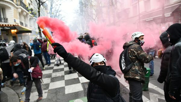 Paris, protesto - Sputnik Türkiye