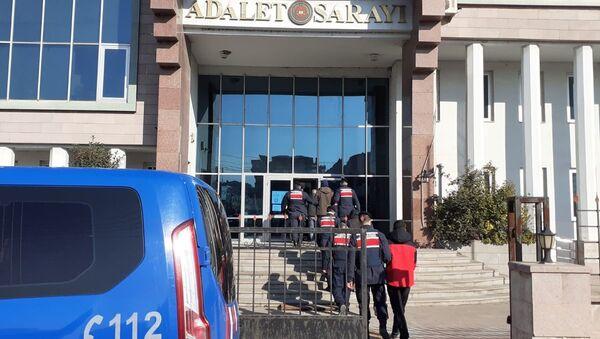 Balıkesir İl Jandarma Komutanlığı Susurluk'ta gerçekleşen cinayeti kısıtlamaya rağmen bir kamyona otostop çekerek binen kişilerden yola çıkarak çözdü - Sputnik Türkiye