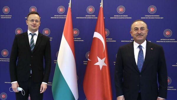 Peter Szijjarto - Mevlüt Çavuşoğlu - Sputnik Türkiye
