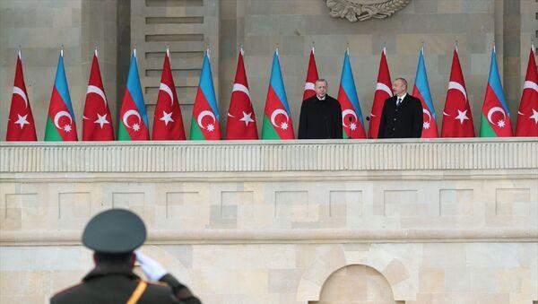 Cumhurbaşkanı Recep Tayyip Erdoğan -  Cumhurbaşkanı İlham Aliyev  - Azerbaycan - Zafer Geçidi Töreni - - Sputnik Türkiye