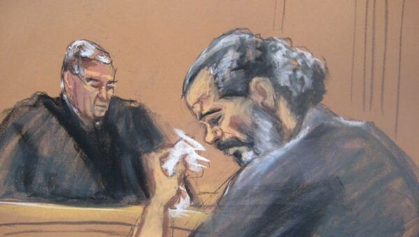 2012'de ABD'ye teslim edilen Mısırlı Adil Abdul Bary (Adel Abdel Bary),2014'te ABD yargısı karşısında elçilik saldırılarındakirolünü kabul ederken ağladı. - Sputnik Türkiye