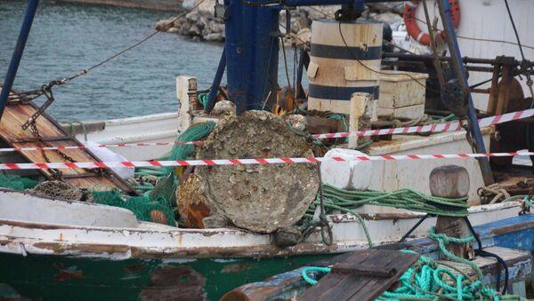 Bodrumlu balıkçıların ağına takılan 1. Dünya Savaşı'ndan kaldığı öne sürülen mayın - Sputnik Türkiye