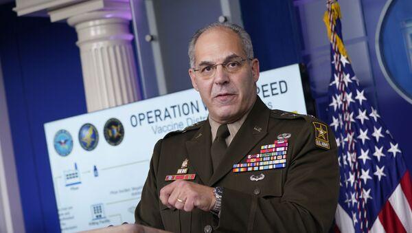 ABD'nin aşı dağıtım programı Warp Speed Operasyonu'nun baş sorumlusu General Gus Perna - Sputnik Türkiye
