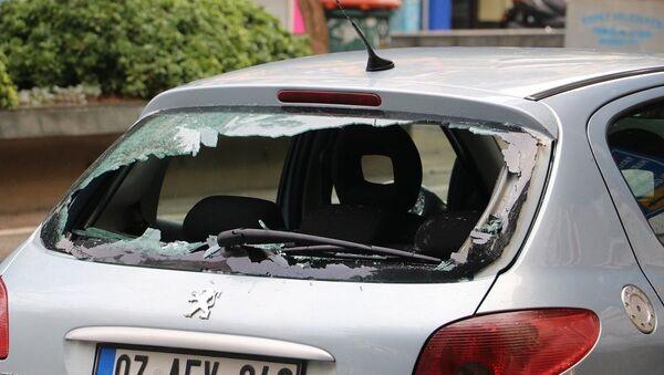 Camları kırık araç,  - Sputnik Türkiye