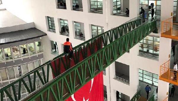 AK PartiliMalatya Büyükşehir Belediyesi'nde çalışan işçi intihar girişiminde bulundu.  - Sputnik Türkiye