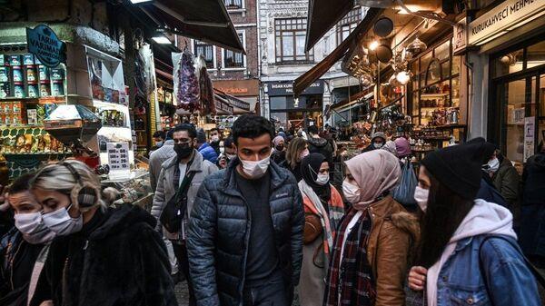 İstanbul - koronavirüs - maske - Sputnik Türkiye