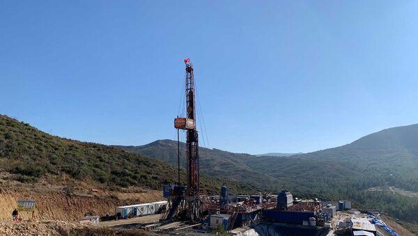 Seferihisar'da jeotermal enerji santrali (JES) kurulması çalışmaları  - Sputnik Türkiye