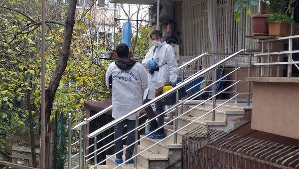 Fatih'te iki kişi bir kadını spreyle bayıltıp, evdeki altınları çaldılar - Sputnik Türkiye