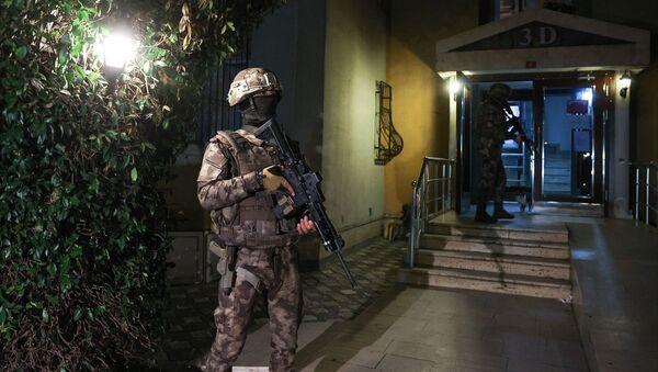 İstanbul merkezli 5 ilde, DHKP-C'ye yönelik düzenlenen operasyonda, çok sayıda şüpheli gözaltına alındı. - Sputnik Türkiye