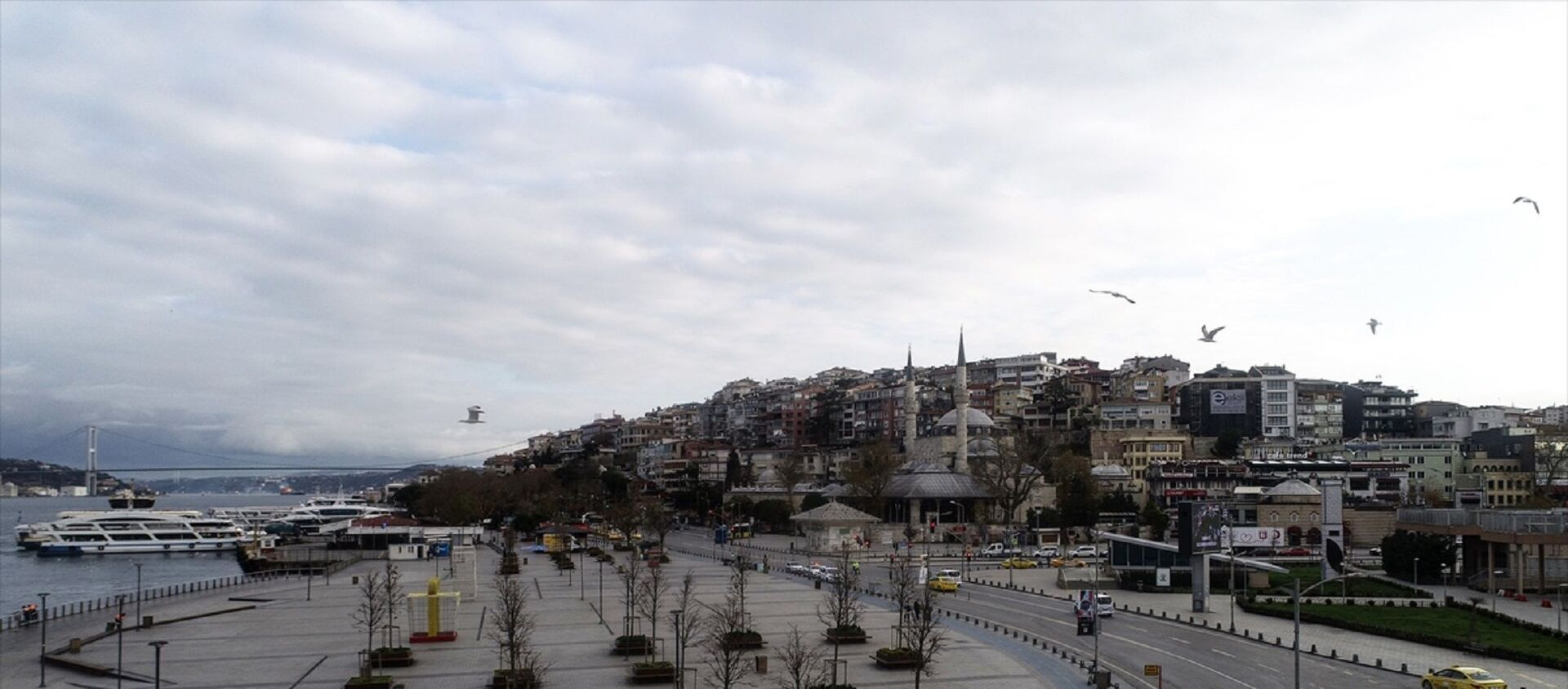 Üsküdar Meydanı ve çevresinde - sokağa çıkma kısıtlaması - Sputnik Türkiye, 1920, 29.04.2021