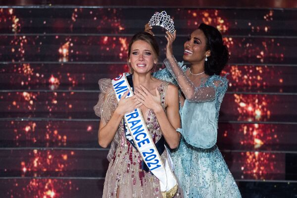 Fransa'nın 2021 Güzellik Kraliçesi seçildi - Sputnik Türkiye