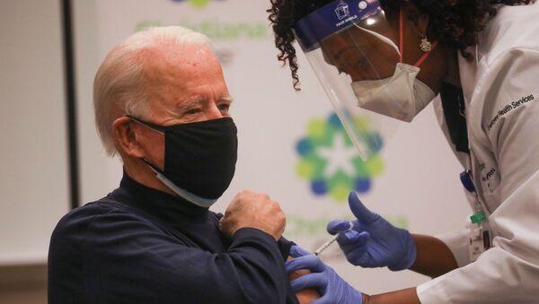 ABD'nin seçilmiş başkanı Joe Biden, koronavirüs aşısı oldu. - Sputnik Türkiye
