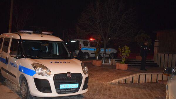 Polis aracı, gece - Sputnik Türkiye