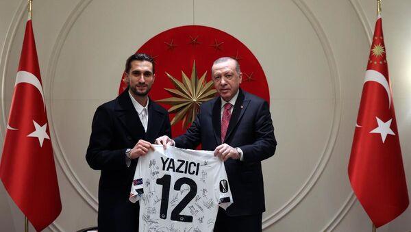 Cumhurbaşkanı Erdoğan, Milli Futbolcu Yusuf Yazıcı'yı kabul etti - Sputnik Türkiye