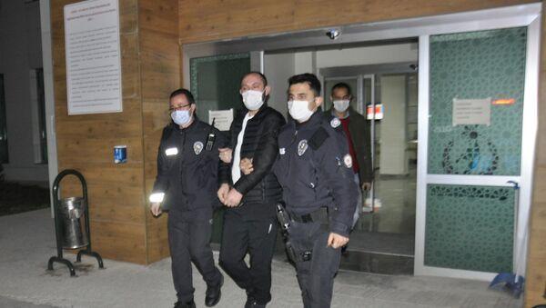 a 8 yıl önce işlenen bir cinayetin şüphelisi olarak hakkında yakalama kararı olan Abdullah K., - Sputnik Türkiye