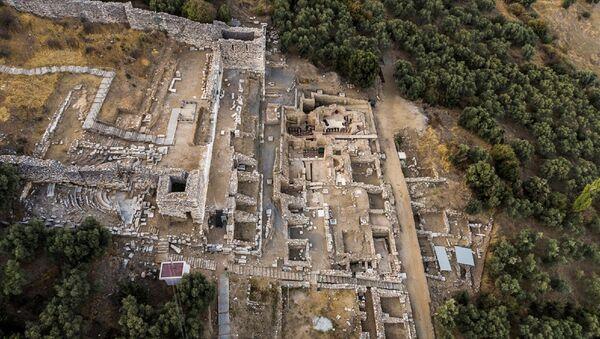 Metropolis Antik Kenti kazı çalışmaları - Sputnik Türkiye