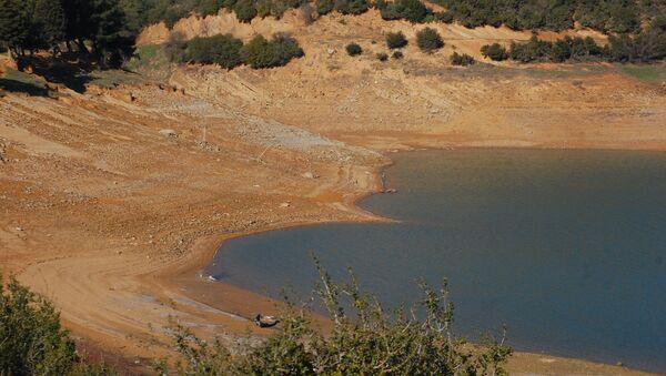 Edirne'nin Keşan ilçesinde, şehrin su ihtiyacının büyük bölümü karşılayan Kadıköy Barajı'nda yüzde 8 doluluk kaldı. - Sputnik Türkiye