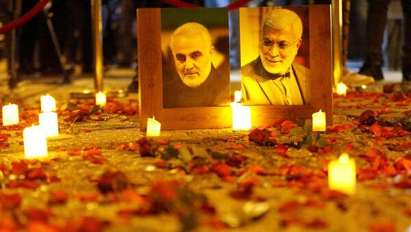 Geçen yıl 3 Ocak'ta ABD'nin düzenlediği saldırıyla öldürülen İran Devrim Muhafızları Ordusu'na bağlı Kudüs Gücü Komutanı General Kasım Süleymani'nin 1. ölüm yılı  - Sputnik Türkiye